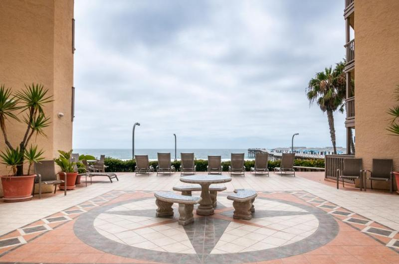 Oceanfront condo w/ ocean views, shared hot tub and sauna! - Image 1 - San Diego - rentals