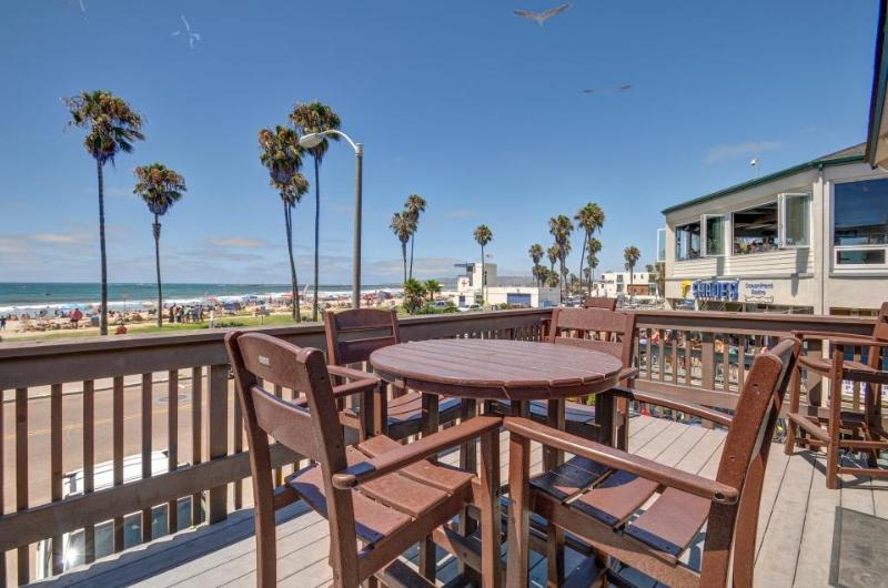 Combined pier front units with 2 decks & accommodations for dogs! - Image 1 - San Diego - rentals