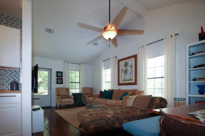 Family friendly, lakefront vacation home with unique history - Image 1 - Kingsland - rentals