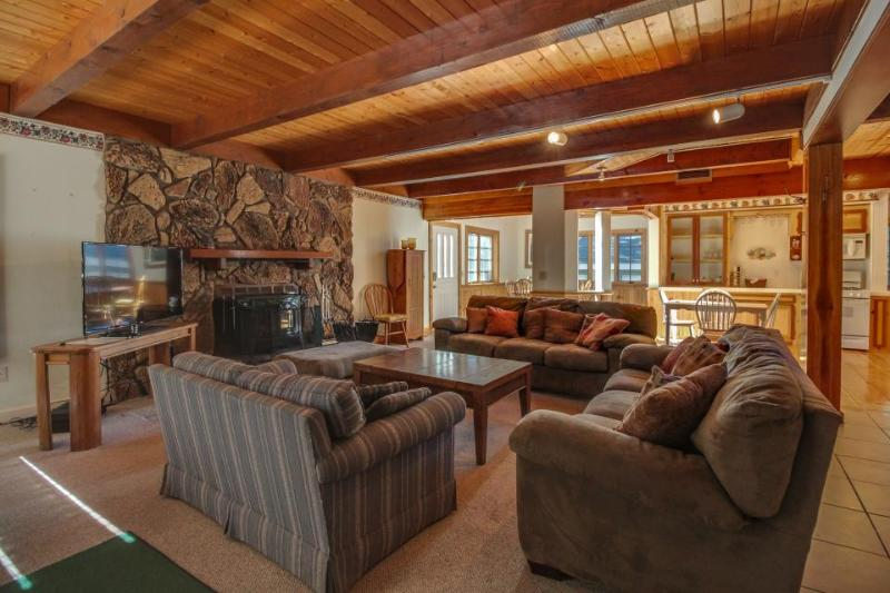 Spacious dog-friendly home w/ a private hot tub, Foosball table, ideal location! - Image 1 - Big Bear Lake - rentals