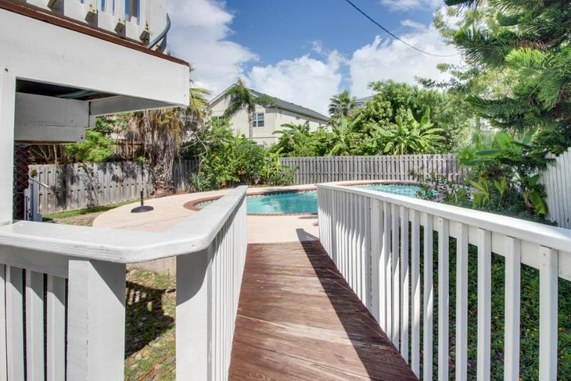 Upscale chateau w/private pool - walk a 1/2 block to the beach! - Image 1 - South Padre Island - rentals