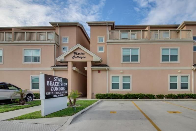 Quiet, upscale condo w/shared pool, hot tub, & picnic area - dogs welcome! - Image 1 - South Padre Island - rentals