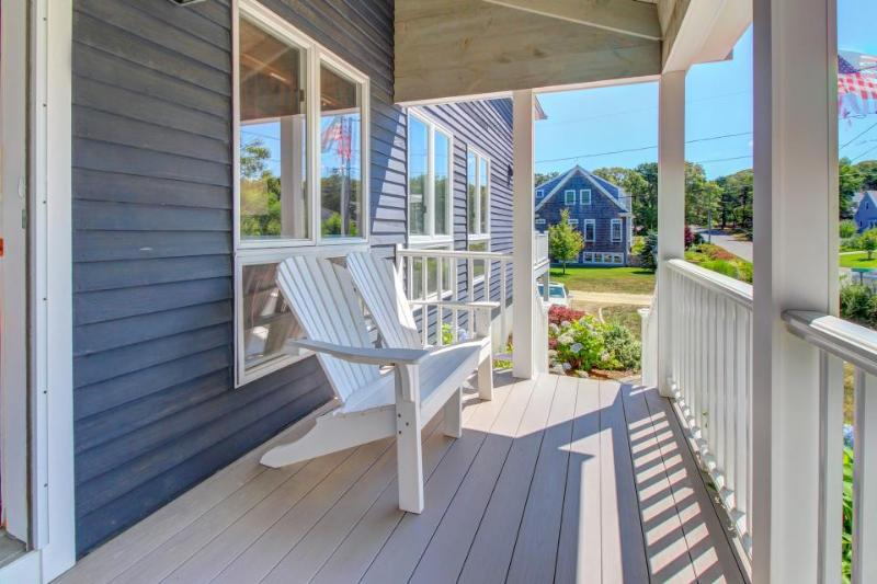 Post-and-beam home near beach with modern conveniences & high-end furnishings - Image 1 - Chatham - rentals