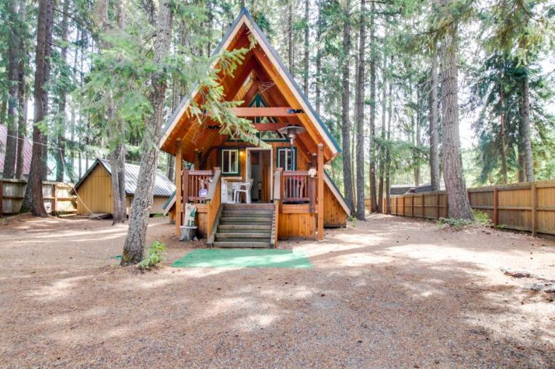 Charming A-Frame with modern appliances & a private patio! - Image 1 - Easton - rentals