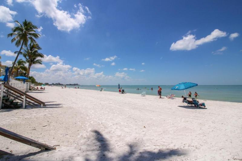 Sunny home w/two decks & beach toys across the street from the beach! - Image 1 - Fort Myers Beach - rentals