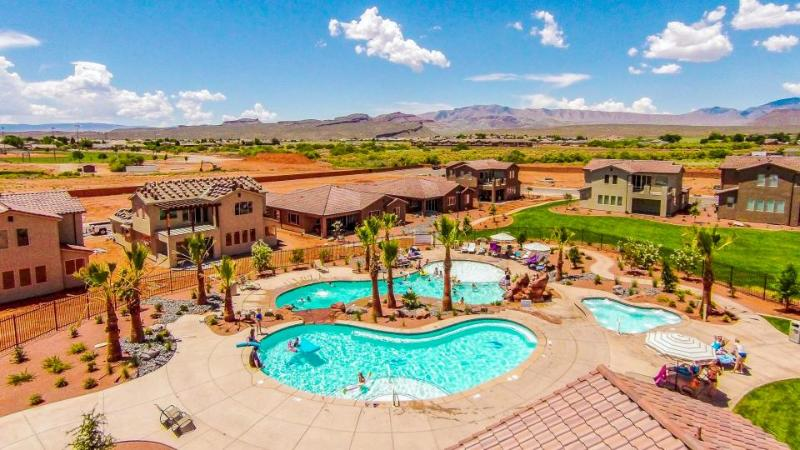 Luxury poolside home w/ shared pool & hot tub near Zion! - Image 1 - Santa Clara - rentals