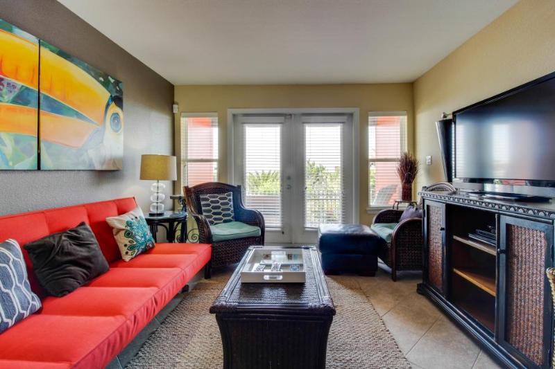 Stylish dog-friendly condo on Seawall Blvd w/ pool & hot tub - Image 1 - Galveston Island - rentals