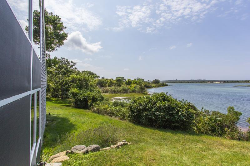 House & Menemsha Pond - DIETR - Menemsha Pond Waterfront, Mooring, Wifi, Central A/C - Chilmark - rentals