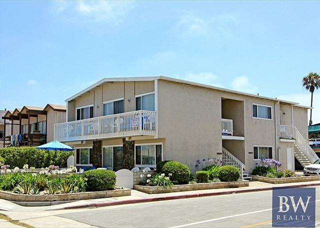 Spacious Upper Unit One House From the Sand! (68251) - Image 1 - Newport Beach - rentals