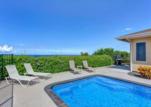 Private Pool with Ocean Views - Maluna Palm is surrounded by lush tropical plants and flowers-PHMPalm - Kailua-Kona - rentals