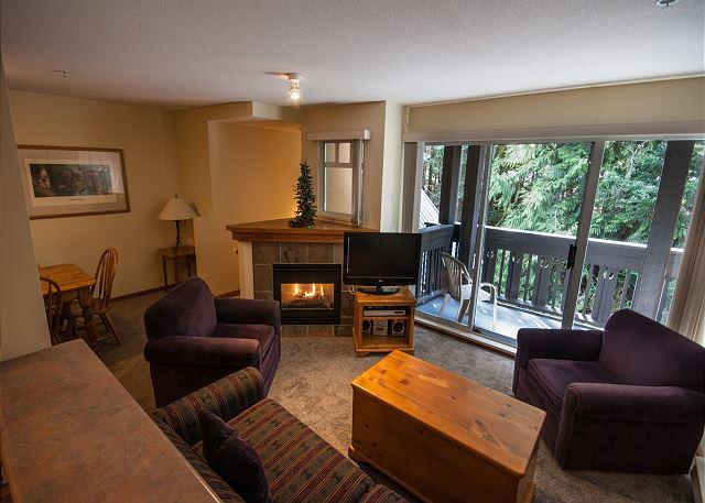 Gas fireplace Whistler vacation rental - Stoney Creek Lagoons 32 - Conveniently located, private hot tub, free parking - Whistler - rentals