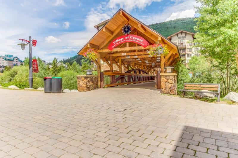 Gorgeous condo with ski-in/ski-out and shared hot tub and pool! - Image 1 - Copper Mountain - rentals
