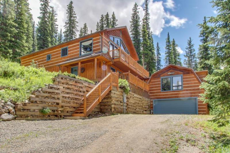 Magnificent log home w/views of Quandary Peak from inside & outside! - Image 1 - Breckenridge - rentals