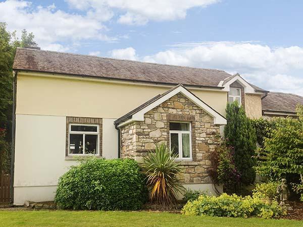 SUIRMOUNT COTTAGE, en-suite, sun trap patio, ideal for a family, in Clonmel, Ref. 926077 - Image 1 - Clonmel - rentals