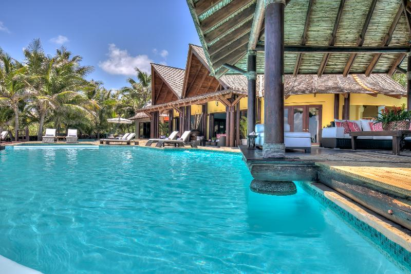 Increible Beachfront Beauty 6 BDR in Punta Cana - Image 1 - Punta Cana - rentals
