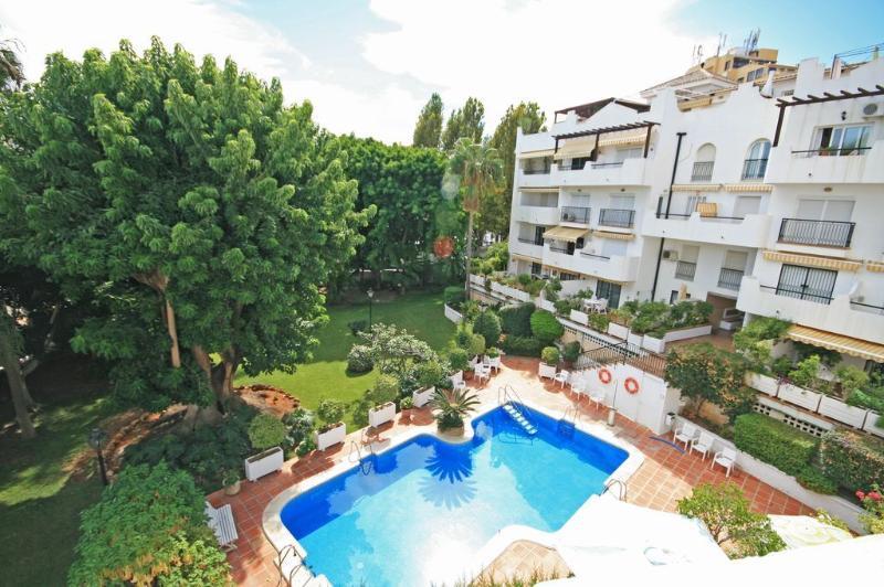 3 bed apartment, Carihuela, Torremolinos - 1792 - Image 1 - Torremolinos - rentals