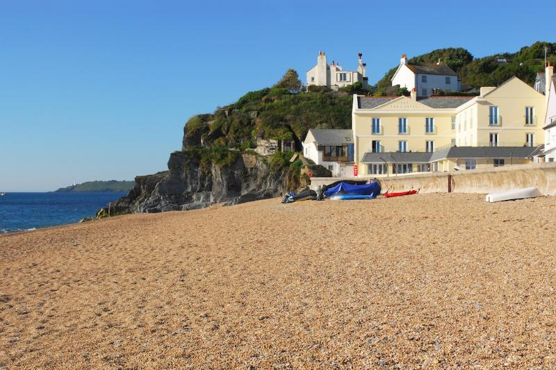 4 At the Beach located in Torcross, Devon - Image 1 - Salcombe - rentals