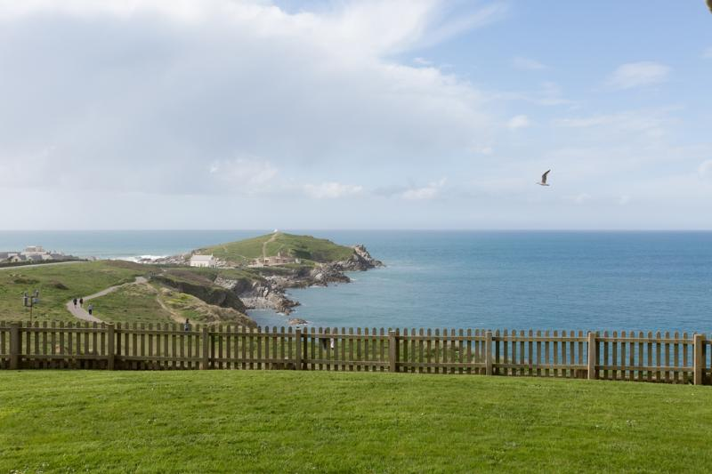 Headland View Apartment, Newquay located in Newquay, Cornwall - Image 1 - Newquay - rentals