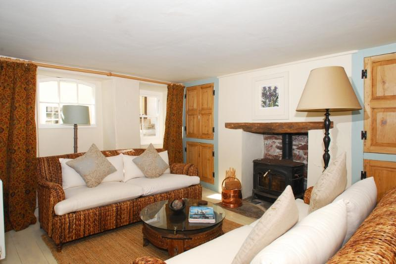 Lyndale Cottage located in Kingsand, Cornwall - Image 1 - Kingsand - rentals