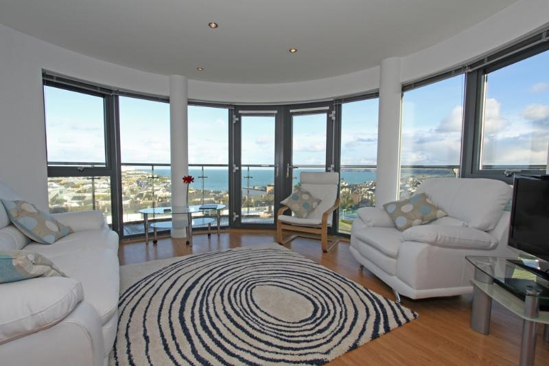 10 Horizons located in Newquay, Cornwall - Image 1 - Newquay - rentals