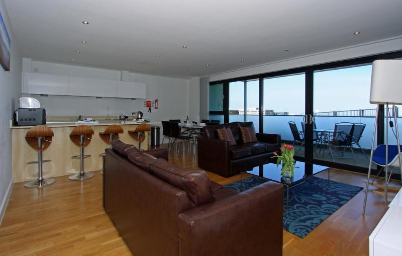 7 Pearl located in Newquay, Cornwall - Image 1 - Newquay - rentals