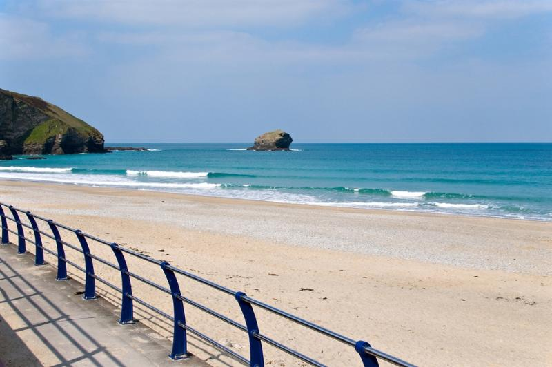 Waters Edge, Portreath located in Portreath, Cornwall - Image 1 - Portreath - rentals