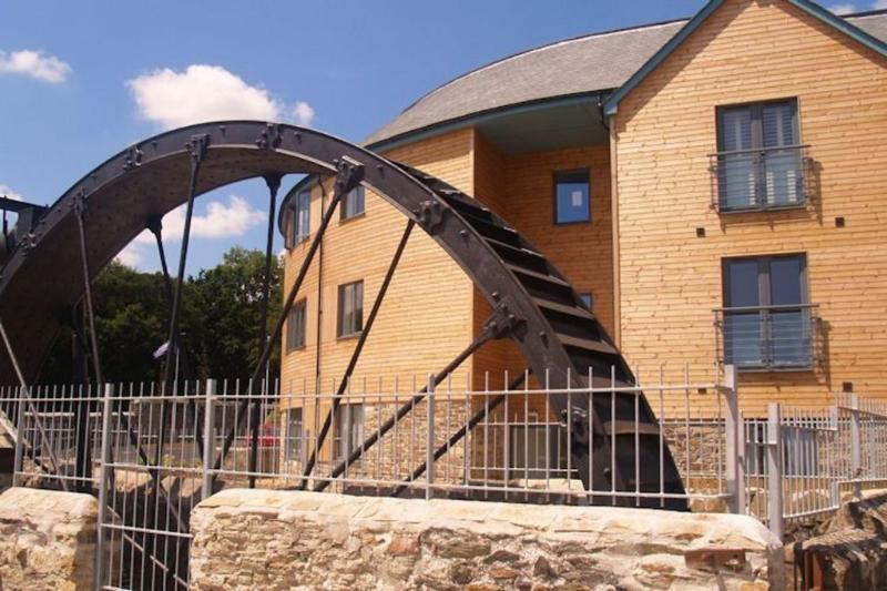 The Waterwheel Apartment located in Charlestown, Cornwall - Image 1 - Saint Austell - rentals