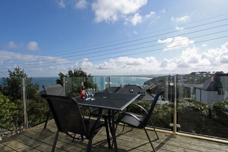 Whitehorses located in Carbis Bay, Cornwall - Image 1 - Saint Ives - rentals