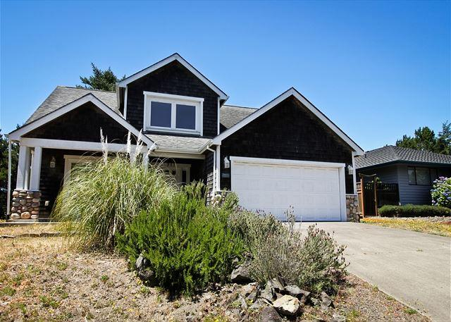 CADDY CORNER ~ MCA# 1122 ~ Across the street from the Manzanita Golf Course! - Image 1 - Manzanita - rentals