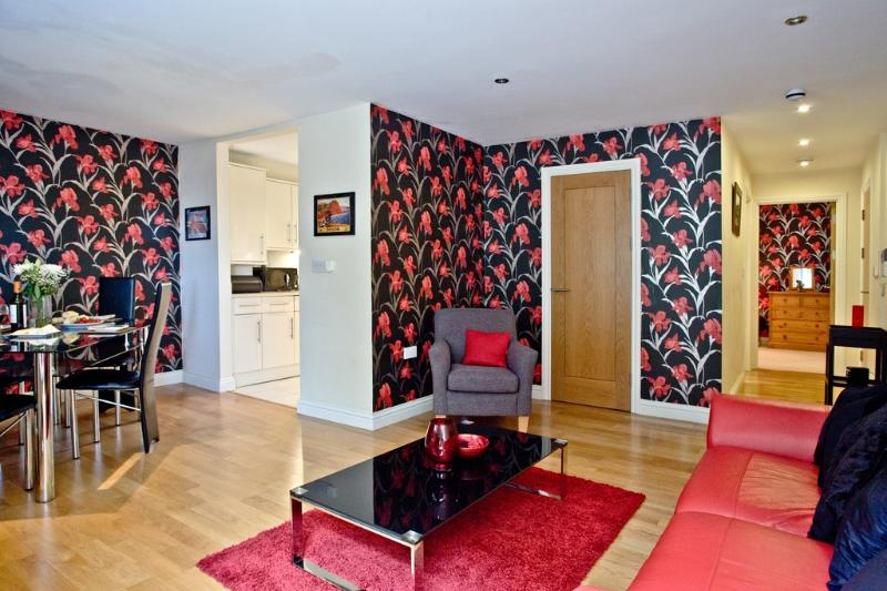 Apartment 6 Water Meadows located in Torquay, Devon - Image 1 - Torquay - rentals