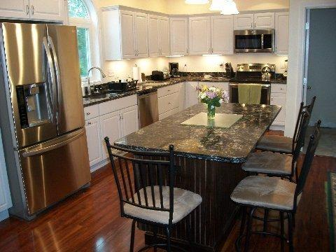 LARGE, BRIGHT, OPEN, CUSTOM KITCHEN - SPECTACULAR 5 BEDROOM, 4 BATH HOME ON 2 ACRES - Meredith - rentals