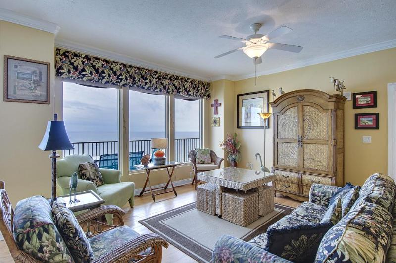 Gulf-front penthouse with beach access, views & resort hot tubs and pools! - Image 1 - Panama City Beach - rentals