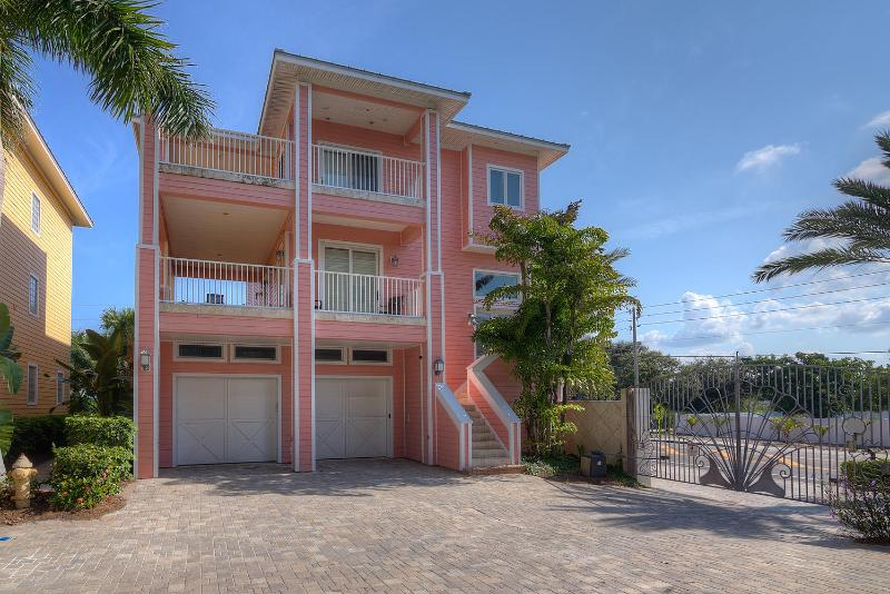 Westwinds Paradise - 4 Bedrooms - Private Pool - Image 1 - Indian Rocks Beach - rentals