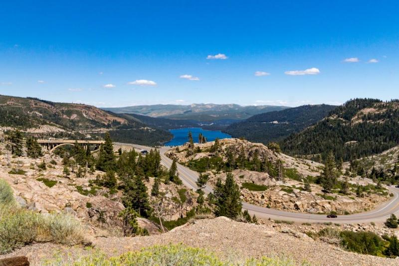 Comfortable getaway, dog-friendly, close to Donner Lake! - Image 1 - Truckee - rentals