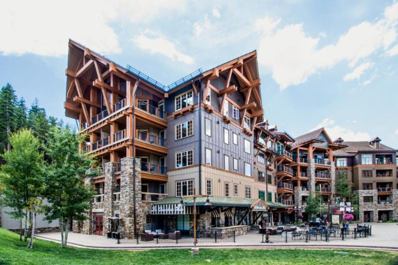 Ski-in/out condo in Northstar w/pool, hot tub, fitness center, & more! - Image 1 - Northstar - rentals