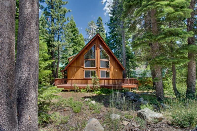 Great family retreat very close to the lake and skiing! - Image 1 - Tahoma - rentals