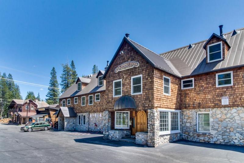 Family-friendly, dog-friendly condo right near Soda Springs! - Image 1 - Soda Springs - rentals