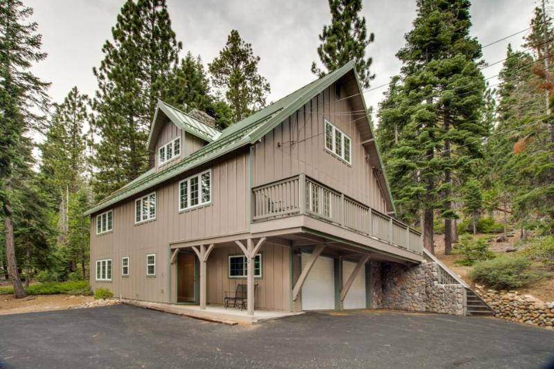 Family-friendly w/ private community beach and room for 14! - Image 1 - Tahoe City - rentals