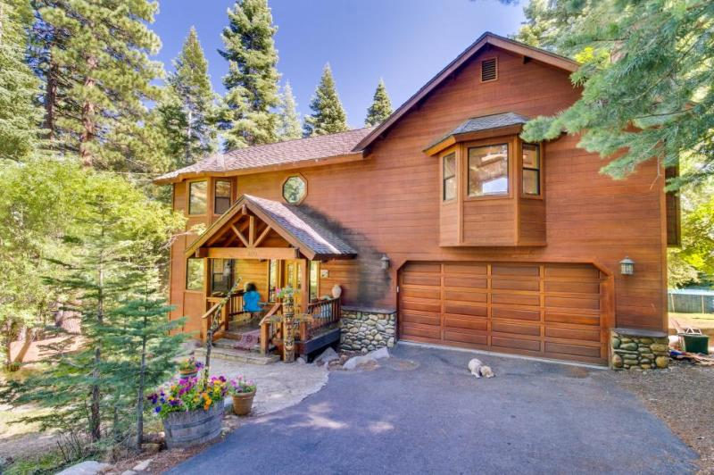 Spacious 12-guest home with hot tub, views, & fireplace! - Image 1 - Carnelian Bay - rentals