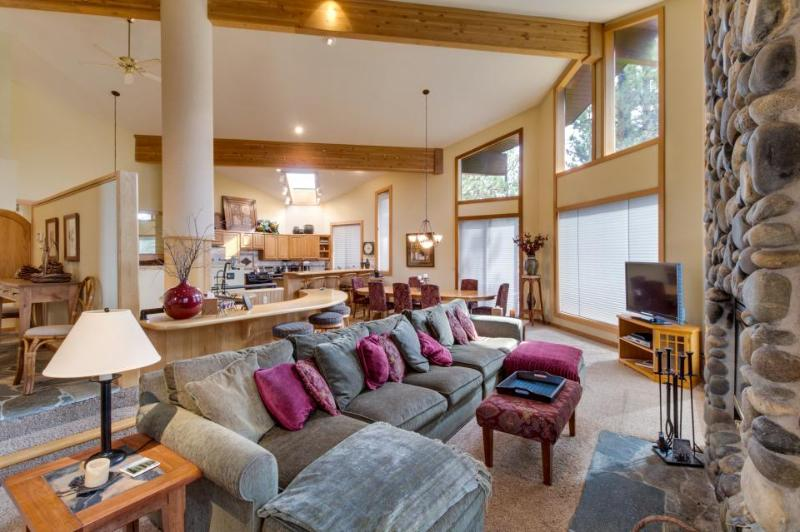 Huge Northstar home with shared pool, hot tub, and NPOA access - Image 1 - Truckee - rentals