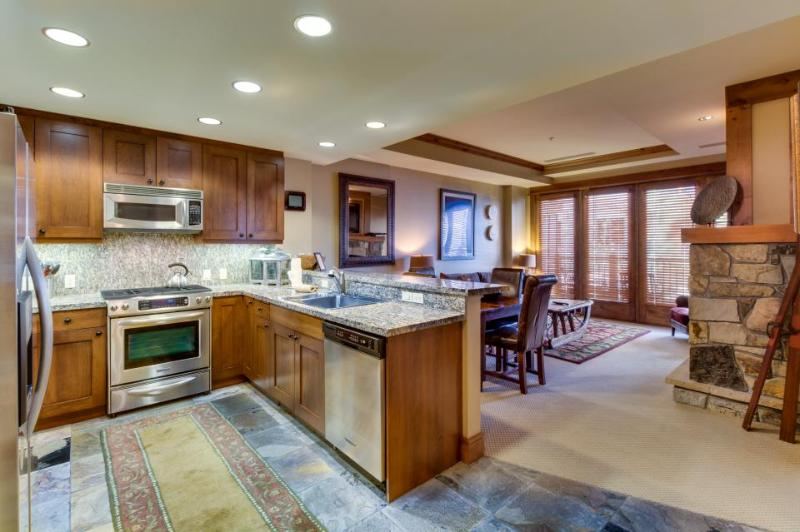 Gorgeous ski-in/ski-out condo with shared hot tub & pool! - Image 1 - Truckee - rentals