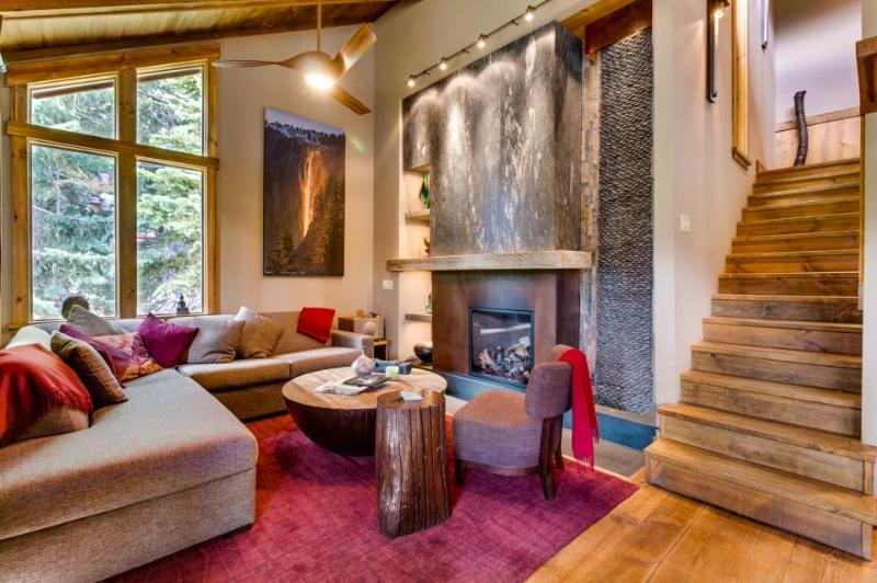 Elegant chalet in Alpine Meadows with a decorative indoor waterfall! - Image 1 - Alpine Meadows - rentals