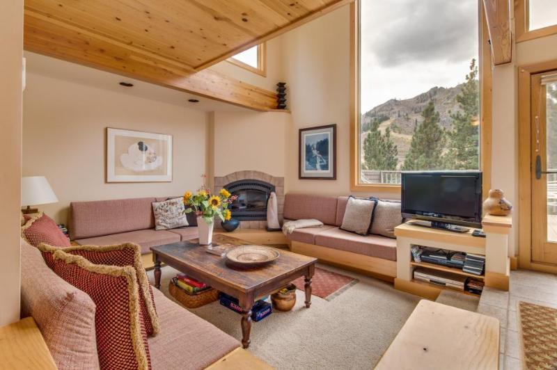 Luxury 4-level condo w/ panoramic views of KT and Red Dog! - Image 1 - Alpine Meadows - rentals
