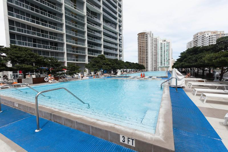 The Pool - STUNNING 2 BD APT ON ICON BRICKELL, DOWNTOWN MIAMI - Brickell - rentals