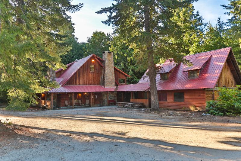 10 Bedrooms!  Split cost with family/friends! - Image 1 - Leavenworth - rentals