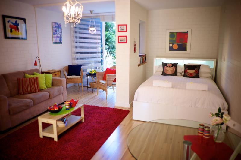 Living area - Cottesloe Beach House Stays - Seashore Studio - Cottesloe - rentals