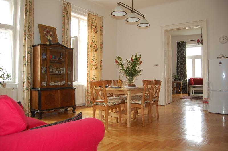 sunny dinning room with kitchen - 120m2 2 Ensuit Bedroom Apartment  Next Opera House - Budapest - rentals
