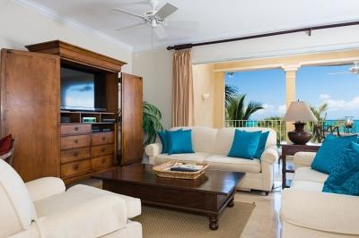 Beautiful 3rd floor lounge with panoramic views - 3rd Floor Deluxe 2 Bedroom Ocean Front Villa #304 - Grace Bay - rentals