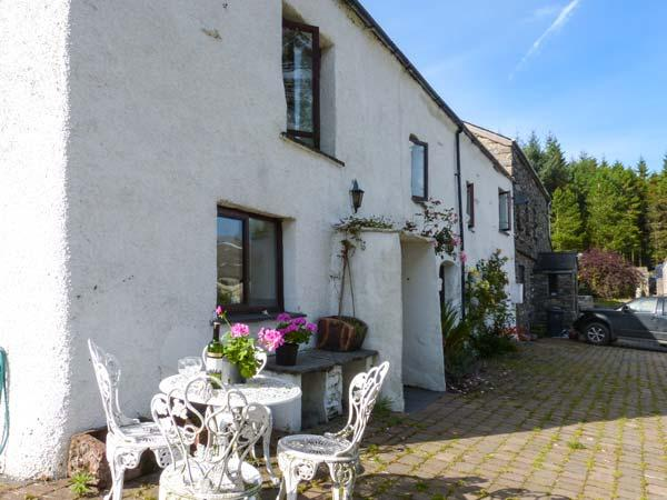 MOSS SIDE FARM COTTAGE, woodburner, hot tub, enclosed garden, pet-friendly, near Broughton-in-Furness, Ref 926679 - Image 1 - Broughton-in-Furness - rentals