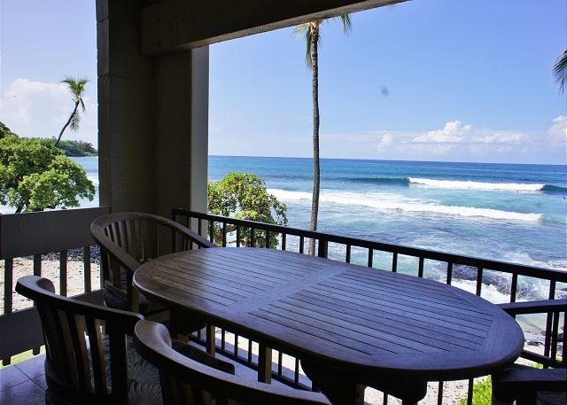 Ocean Front Lanai - Ocean Front! Watch Dolphins from the lanai at Bali Kai -#201 - Kailua-Kona - rentals